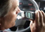Um Alkoholunfälle zu vermeiden, rüstet Volvo Trucks (Bild) Lkws mit so genannten Alcolocks aus