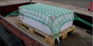 Netze oder auch Planen können erheblich zur richtigen Ladungssicherung beitragen. Gerade auch im privaten Bereich.