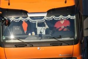Werden Lkw-Fahrer von zu vielen Dingen in ihrem Führerhaus abgelenkt, drohen Auffahrunfälle, die tödlich enden können (Foto: Polizeiinspektion Rotenburg)