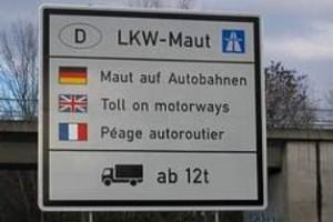 Ab 1. August 2012 gilt die Lkw-Maut auch auf ausgewählten Bundesstraßen (Foto: Archiv)