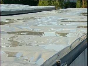 Eis auf LKW Dach