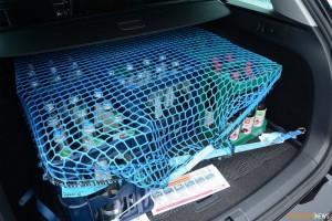 Ladungssicherung für Wasserkisten im Kofferraum (©OsthessenNews)