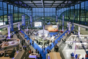 Einblick in die Messehallen der NUFAM in Karlsruhe