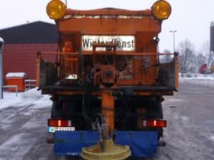 Winterdienstfahrzeuge im Einsatz
